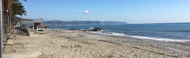 spiaggia-fronte-casa